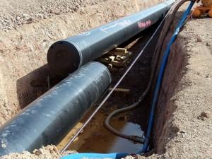 1024px-Pipeline_im_Bau_2