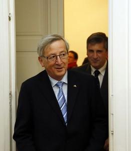 """""""Bin fest überzeugt, dass Griechenland diese Hilfe nie wird in Anspruch nehmen müssen, weil das griechische Konsolidierungsprogramm in höchstem Maße glaubwürdig ist."""" Jean-Claude Juncker, März 2010"""