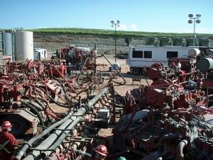 512px-Fracking_operation