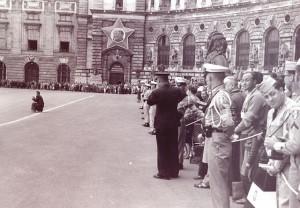 Heldenplatz 1955: Soldaten der Besatzungsmächte