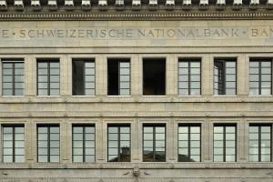 Schweizerische_Nationalbank_(SNB)_-_Zürich_Bürkliplatz_2011-08-18_14-50-36