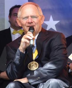 Wolfgang_Schäuble,_Karlspreis,_2012
