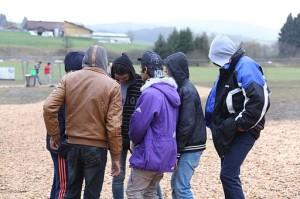 Immigranten_-_Flüchtlinge_beim_Grenzübergang_Wegscheid_(22724052389)