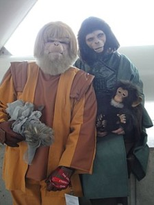 WonderCon_2011_-_Planet_of_the_Apes_costumes_(Dr_Zaius_and_Dr_Zira)_(5593337505)