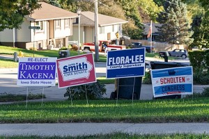 Political_Lawn_Signs_in_Sioux_City,_Iowa_-_2018_Midterm_Election_(44792130662)
