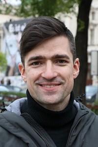 Martin_Sellner_-_Kundgebung_beim_Weghuberpark_(2019)
